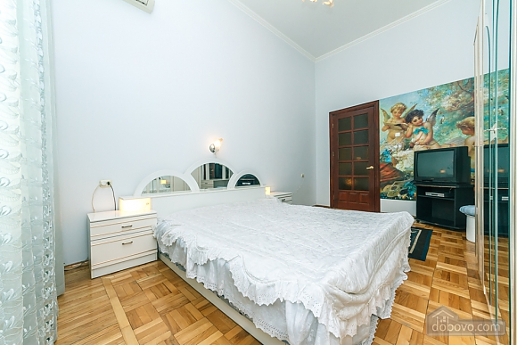 Spacious apartment on Lvivska square, Zweizimmerwohnung (40707), 004