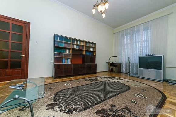 Spacious apartment on Lvivska square, Zweizimmerwohnung (40707), 012
