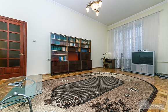 Spacious apartment on Lvivska square, Zweizimmerwohnung (40707), 013