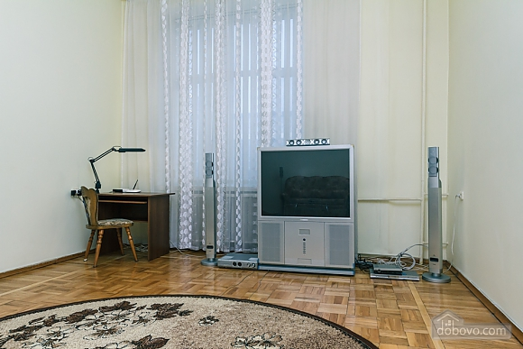 Spacious apartment on Lvivska square, Zweizimmerwohnung (40707), 014