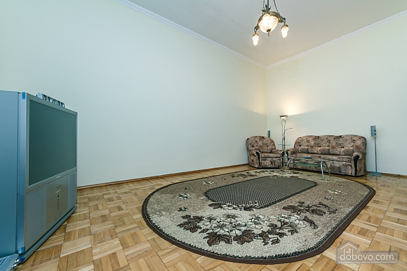 Spacious apartment on Lvivska square, Zweizimmerwohnung (40707), 015
