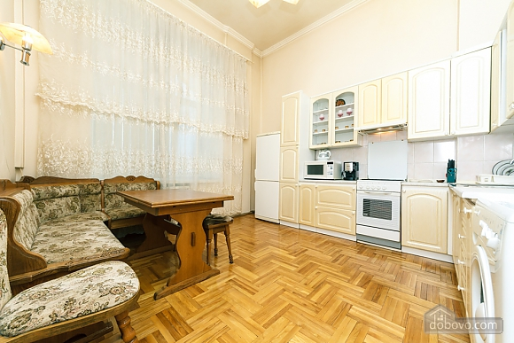 Spacious apartment on Lvivska square, Zweizimmerwohnung (40707), 018