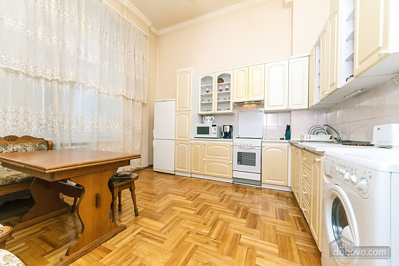 Spacious apartment on Lvivska square, Zweizimmerwohnung (40707), 019