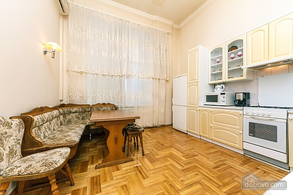 Spacious apartment on Lvivska square, Zweizimmerwohnung (40707), 020