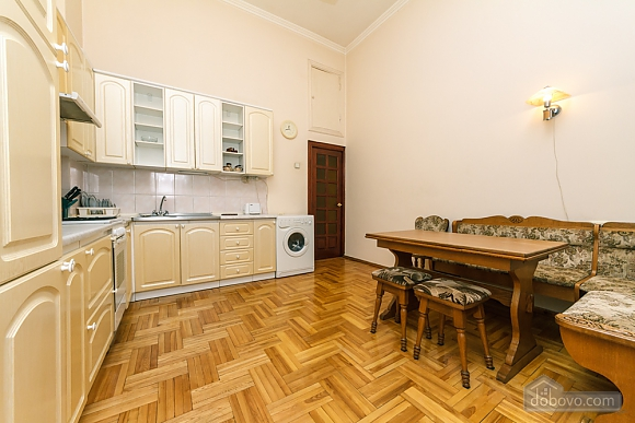 Spacious apartment on Lvivska square, Zweizimmerwohnung (40707), 023