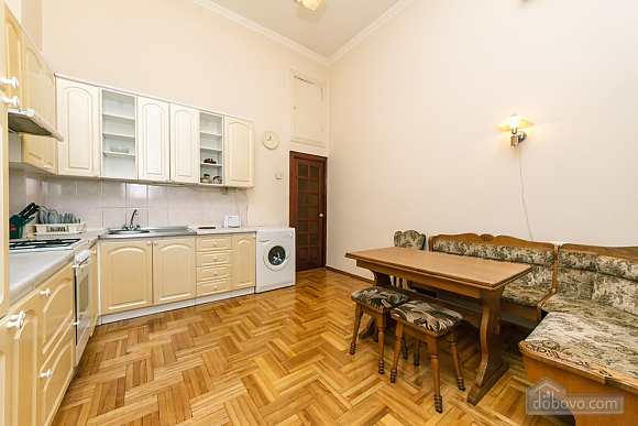 Spacious apartment on Lvivska square, Zweizimmerwohnung (40707), 024