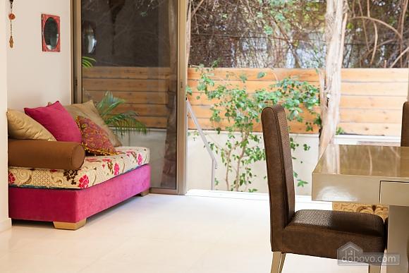 Frishman Garden, Two Bedroom (78927), 013
