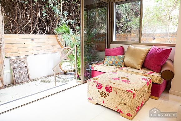 Frishman Garden, Two Bedroom (78927), 015