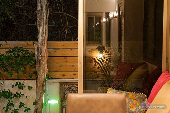 Frishman Garden, Two Bedroom (78927), 025