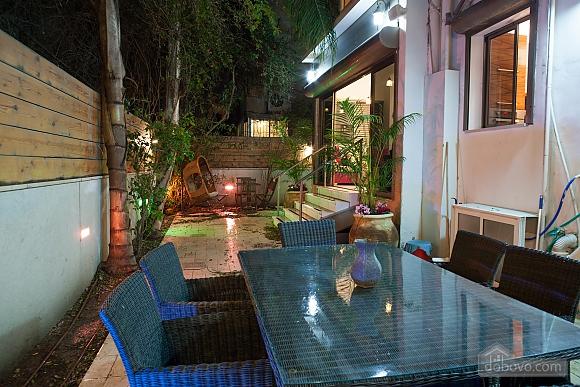 Frishman Garden, Two Bedroom (78927), 027