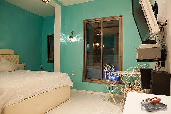Frishman Garden, Two Bedroom (78927), 030