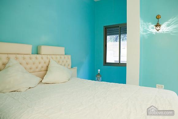 Frishman Garden, Two Bedroom (78927), 037