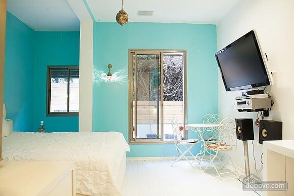 Frishman Garden, Two Bedroom (78927), 038