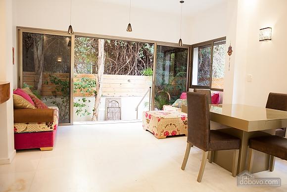 Frishman Garden, Two Bedroom (78927), 041
