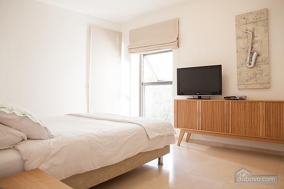 Royal Lev Hair, Two Bedroom (33975), 008