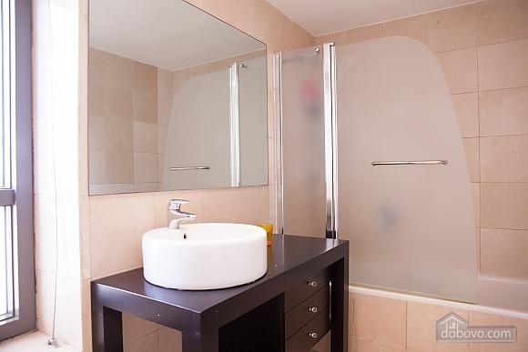 Royal Lev Hair, Two Bedroom (33975), 012