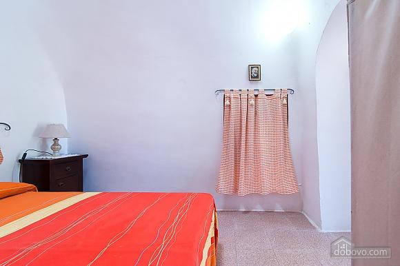 Trullo occhichiuso, Un chambre (27458), 021