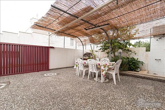 Taormina's house, Two Bedroom (50857), 002