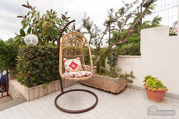 Taormina's house, Two Bedroom (50857), 003