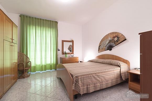 Taormina's house, Two Bedroom (50857), 011