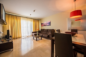 Modern apartment in Malibu mansion, Dreizimmerwohnung, 004