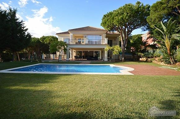 Exclusive villa of 6 bedrooms in Las Chapas, Sieben+ Zimmern (53587), 002