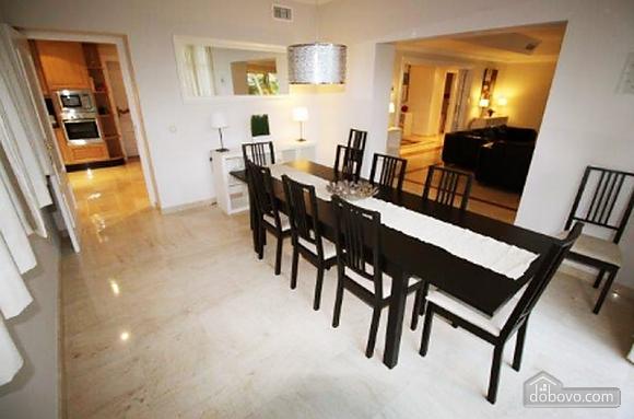 Exclusive villa of 6 bedrooms in Las Chapas, Sei (+) Camere (53587), 004