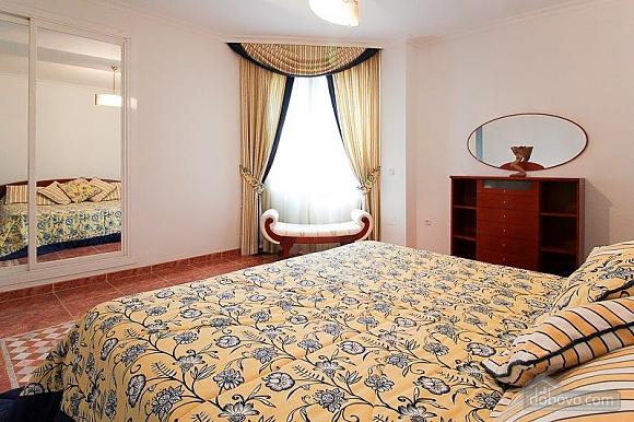 Чудова вілла Грейс в Марбельї, 4-кімнатна (28840), 031