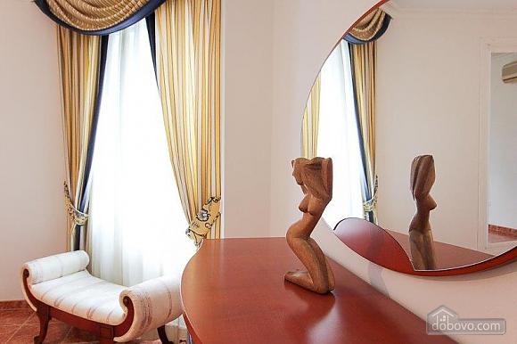 Чудова вілла Грейс в Марбельї, 4-кімнатна (28840), 033