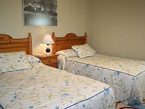 Casa Mirador de Brion, Six (+) Bedroom, 003