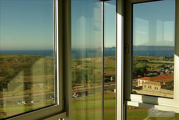 Piso Torre de Hercules, One Bedroom (98521), 010