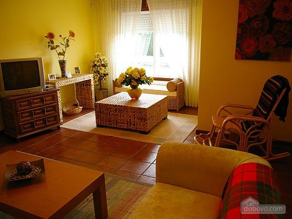 Casa Lamas, Six (+) Bedroom (22786), 011