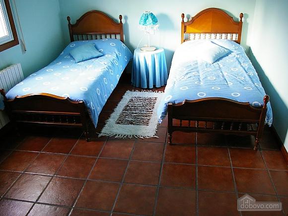 Casa Lamas, Six (+) Bedroom (22786), 015