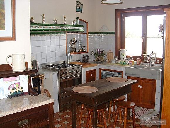 Casa Tomino, Quattro Camere (31000), 011