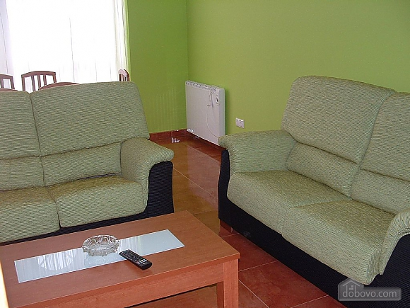Pisos Buno, Tre Camere (20051), 015
