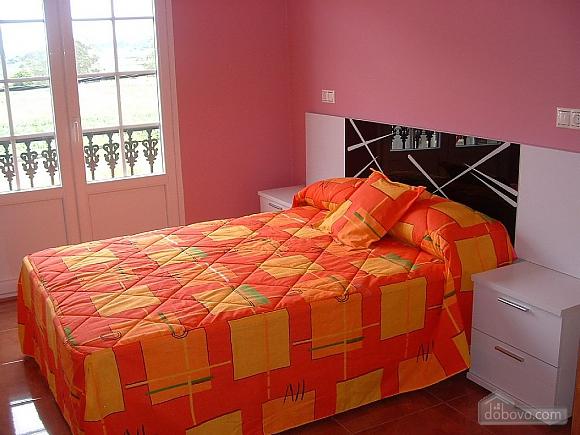 Pisos Buno, Three Bedroom (20051), 016
