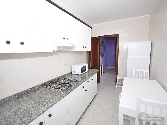 Апартаменты Арнела, 3х-комнатная (45088), 003