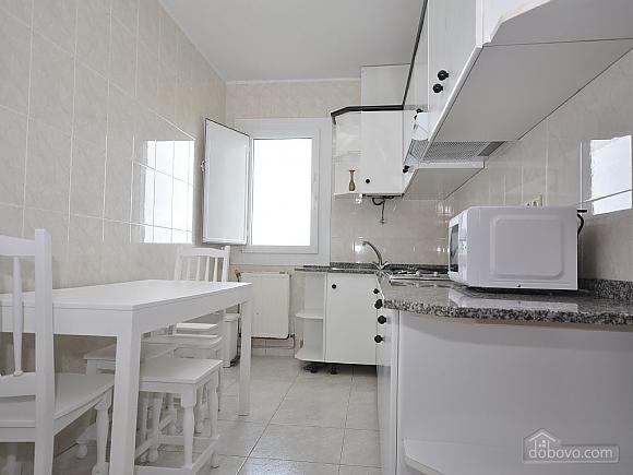 Апартаменты Арнела, 3х-комнатная (45088), 005