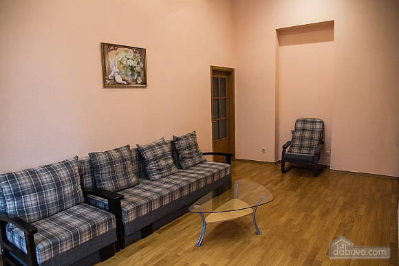 Квартира в центре города, 3х-комнатная (75001), 006