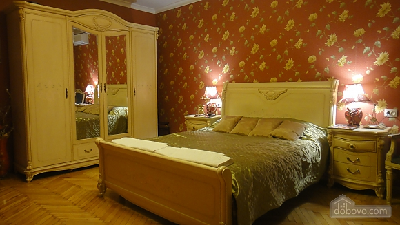 Apartment in Odessa historical center, One Bedroom (34303), 001