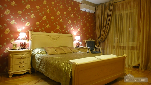 Apartment in Odessa historical center, One Bedroom (34303), 004