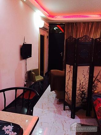 Апартаменты в Тбилиси, 1-комнатная (82394), 003