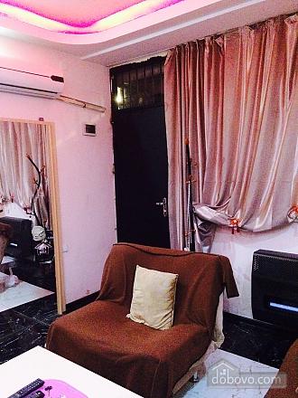 Апартаменты в Тбилиси, 1-комнатная (82394), 005