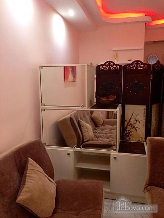 Апартаменты в Тбилиси, 1-комнатная (82394), 011