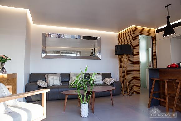 Hilton Sea View, Three Bedroom (11921), 002