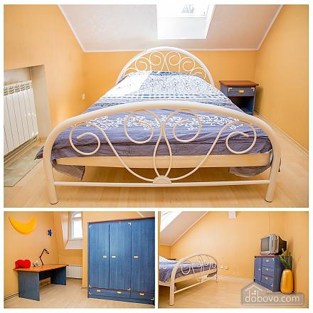 Contemporary apartment in Lviv center, Quattro Camere (79542), 004