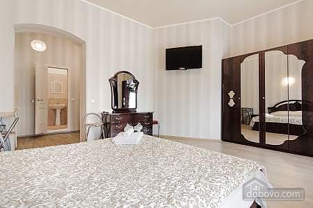 Квартира в центре, 1-комнатная (16734), 002