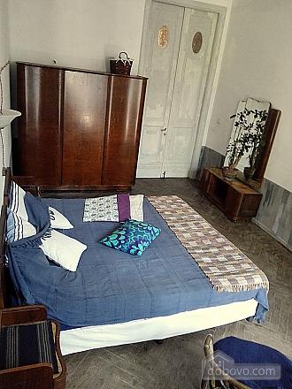 Room in the center (AA), Studio (50866), 004