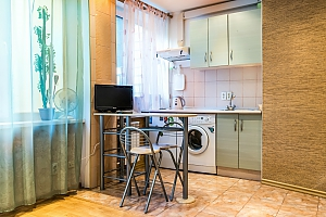 Studio apartment with renovation in the center of Pechersk near the Botanic garden, Studio, 001