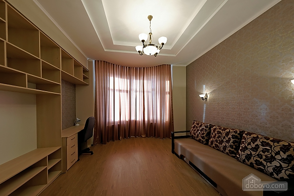 Apartment in the center of Odessa, Three Bedroom (33444), 006